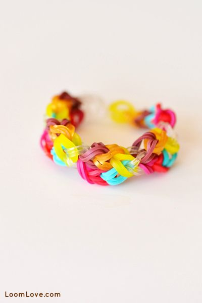 Posted in Going Viral   Rainbow Loom Inspiration   264 CommentsEasy Rainbow Loom Designs