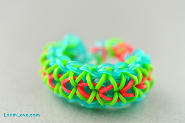 fun to mix up the jelly bands with the solids
