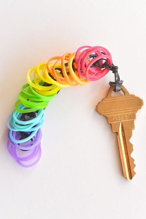 How To Make A Rainbow Loom Key Chain