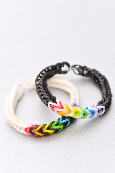 how to make a fishtail loom band