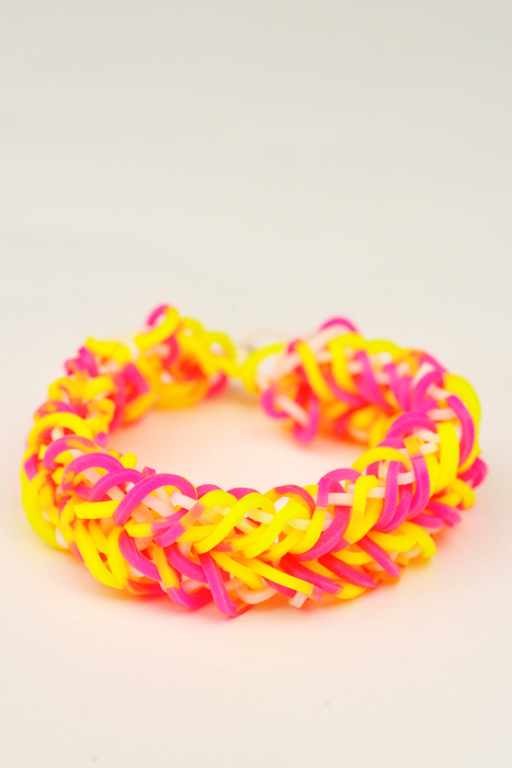 rainbow loom heart braid