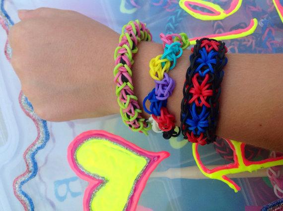 red starburst bracelet
